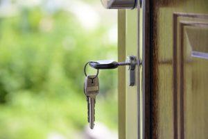 Mieszkanie na kredyt czy za gotówkę