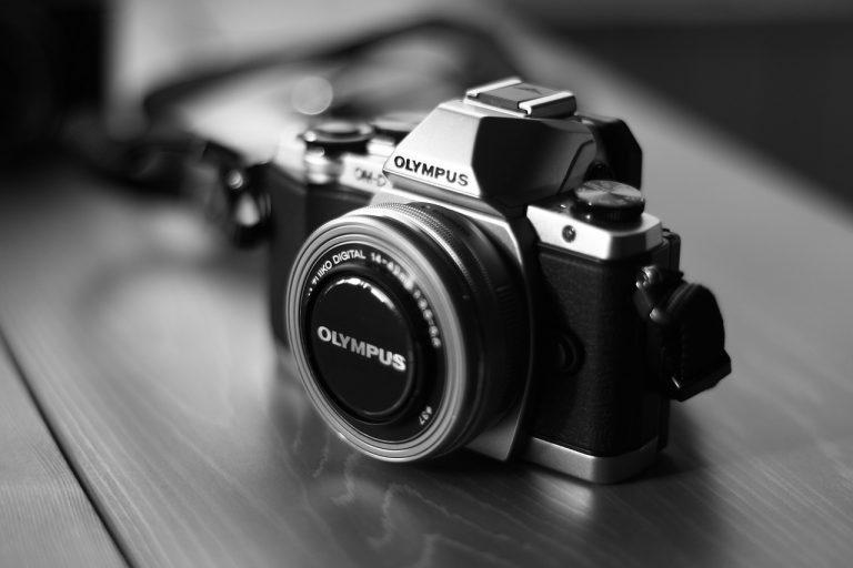 Olympus zaprezentował innowacyjny aparat PEN E-PL10