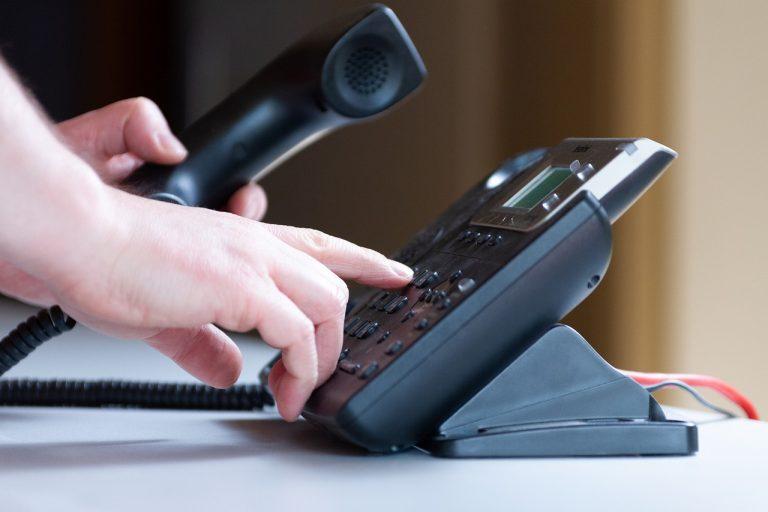 Jak zmienić głos podczas rozmowy telefonicznej?