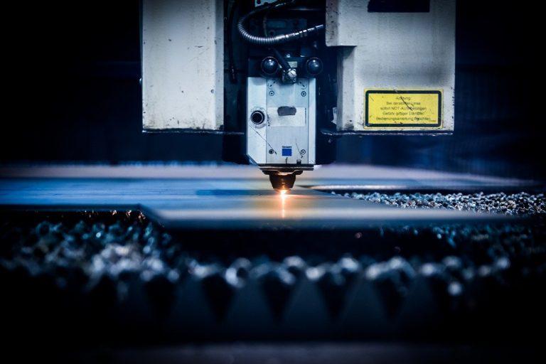 Gdzie szukać dobrej firmy od CNC?