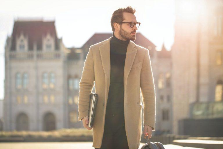 Męskie płaszcze – wybieramy 3 propozycje must have
